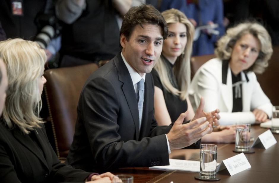 El mandatario canadiense impulsa la labor de la mujer en su gobierno. (Foto: AFP)