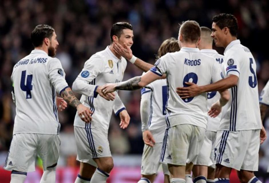 El Madrid derrotó al Nápoles en el juego de ida de octavos de final de la Champions. (Foto: AFP)