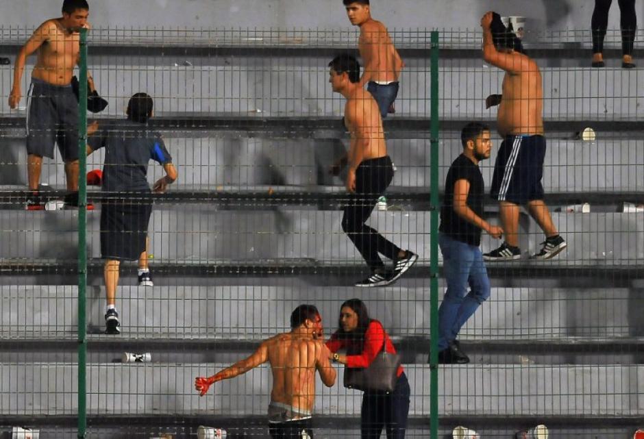 La Policía poco pudo hacer para contener el incidente. (Foto: AFP)