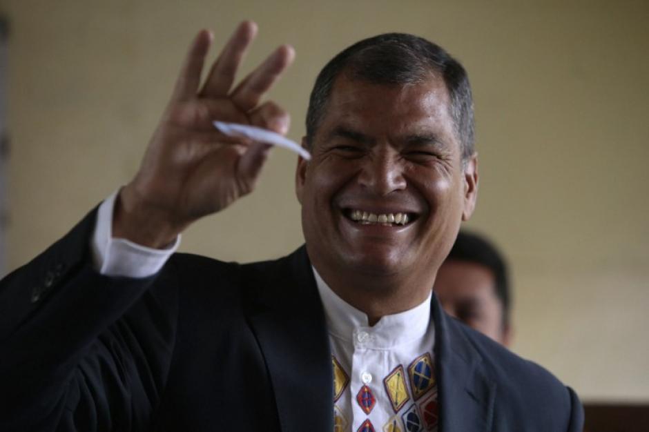 Rafael Correa, el presidente saliente de Ecuador, ya votó desde temprano. (Foto: AFP)