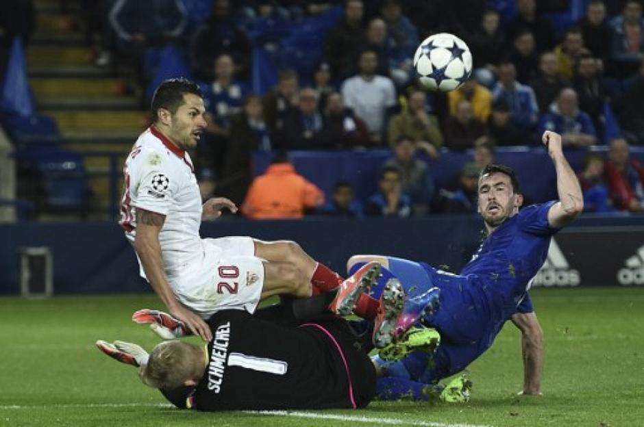 El Sevilla no pudo contra el Leicester. (Foto: AFP)