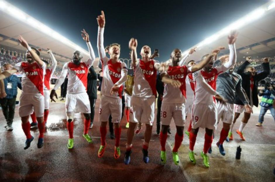Los de Mónaco celebraron por todo lo alto. (Foto: AFP)