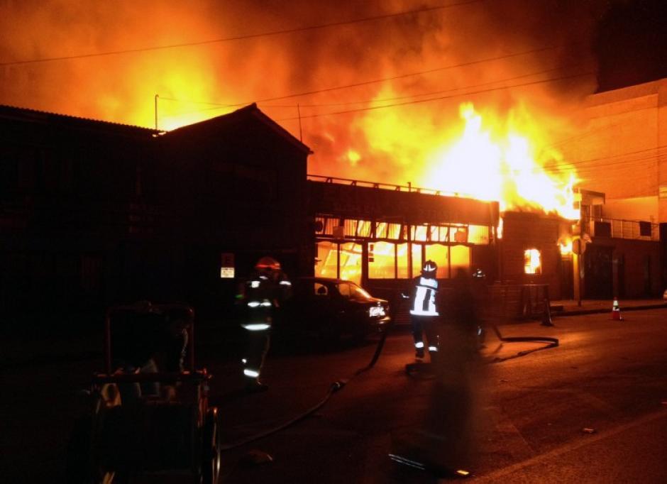 El incendio provocó varios incendios en ciudades chilenas. (Foto: AFP)