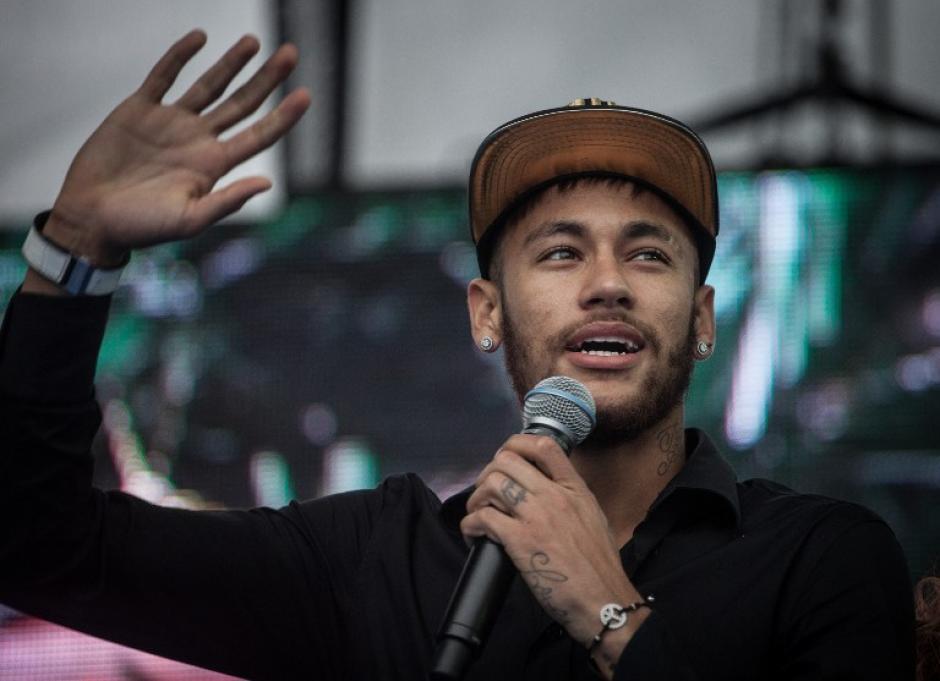 Neymar es conocido por ser amante de las mujeres, las fiestas y la buena vida