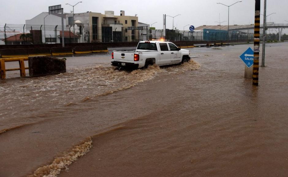 En la localidad Manzanillo en Colima reporta severas inundaciones. (Foto: AFP)