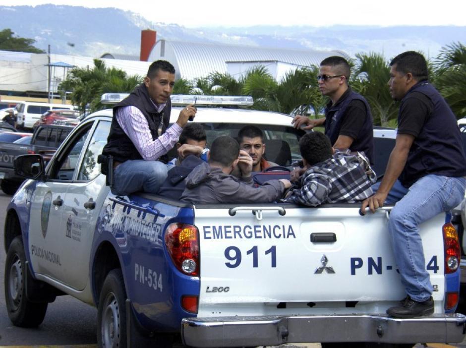 Cinco jóvenes sirios fueron detenidos en el aeropuerto de Toncontín, Honduras cuando pretendían viajar a EE.UU. con pasaportes falsos. (Foto: AFP)