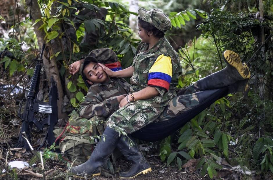 Muchas mujeres han establecido una relación sentimental con sus compañeros de lucha. (Foto: AFP)