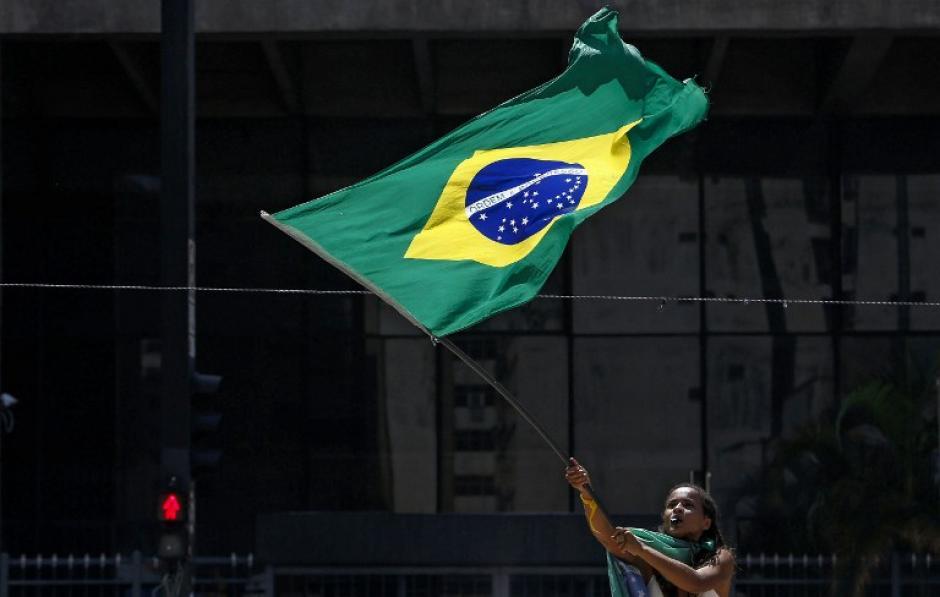 Las manifestaciones han sido permanentes en el país, incluidas los que apoyan la gestión de Roouselff. (Foto: AFP/Miguel Schincariol)