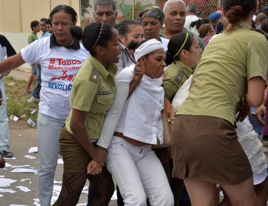Unas cincuenta Damas de Blanco fueron arrestadas en las protestas en Cuba. (Foto: AFP)