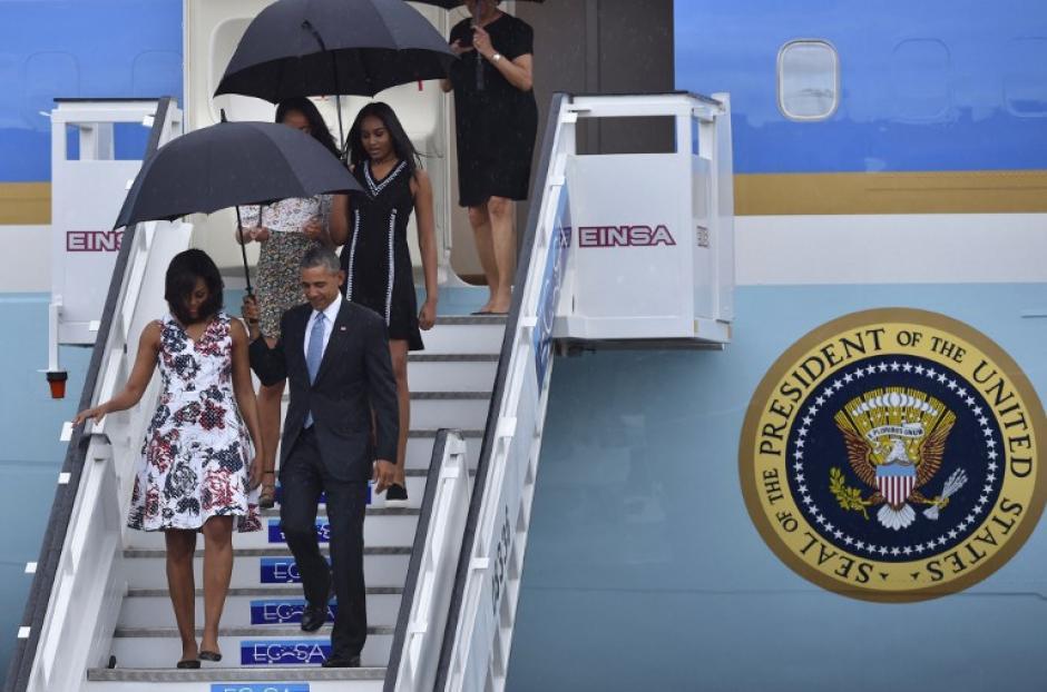 Obama publicó un tuit en su cuenta oficial al llegar a Cuba. (Foto: AFP)