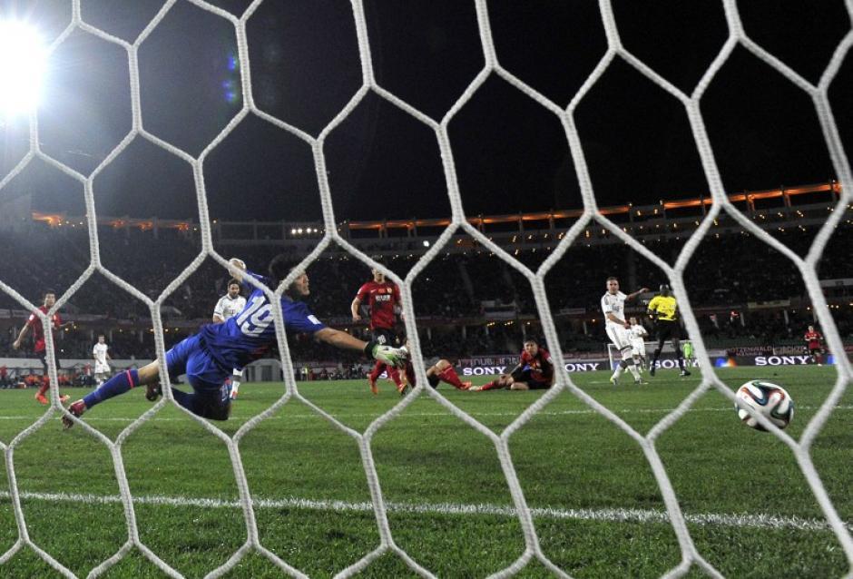 Bayern Munich sigue con paso firme en busca de la final del Mundial de Clubes. (AFP)