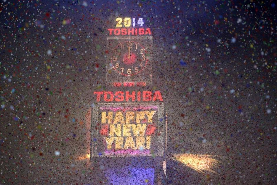 El Times Square se iluminó luego del conteo regresivo para la media noche