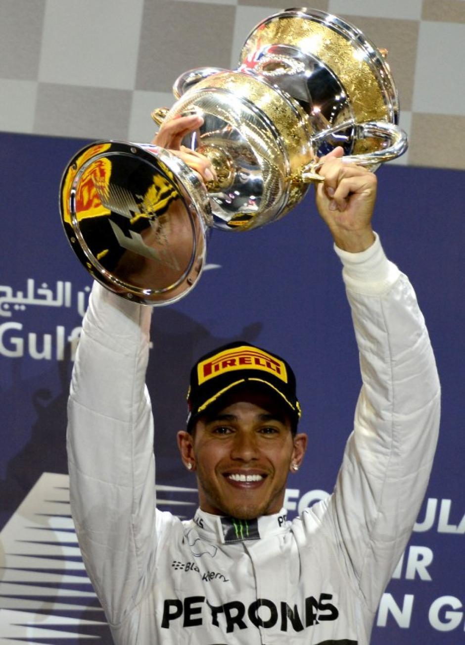 Hamilton celebró el primer lugar en Baréin. (Foto: AFP)