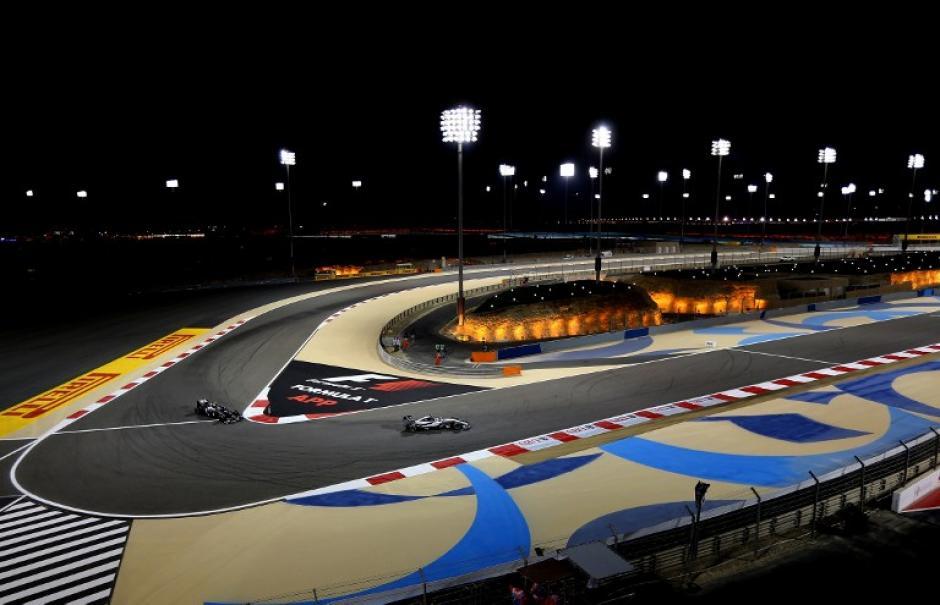 Una de las curvas de la pista de Baréin. (Foto: AFP)
