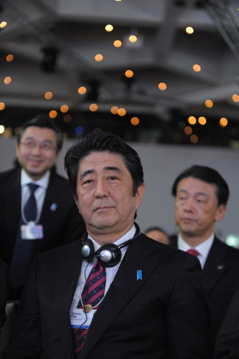 El primer ministro Shinzo Abe también asiste a la cita económica mundial. Foto AFP