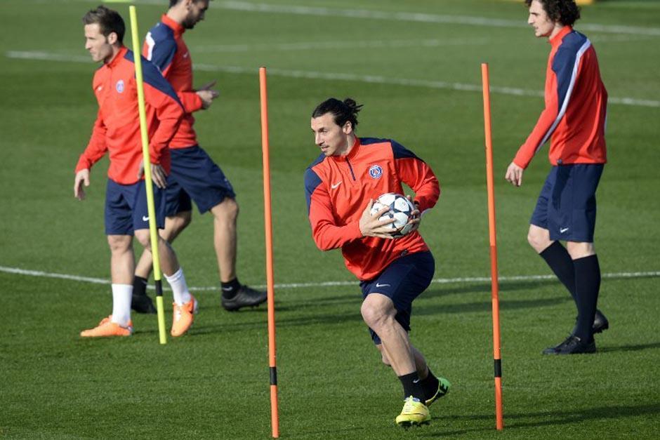 El sueco Zlatan Ibrahimovic comandará el ataque del PSG que no quiere sorpresas ante el Bayer Leverkusen