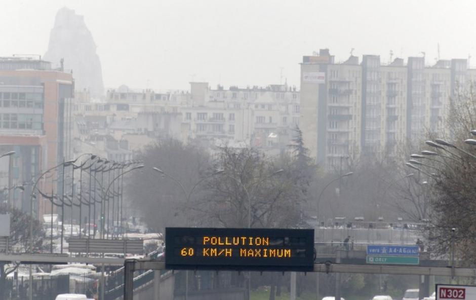 El Gobierno de París declaró emergencia por el alto grado de contaminación del aire. (Foto:AFP)
