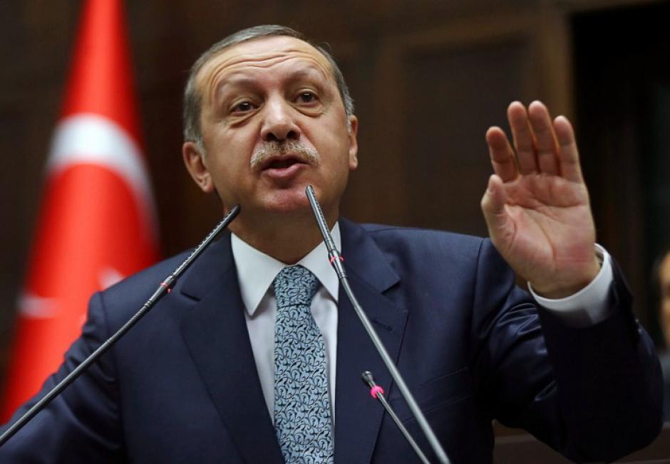 """Erdogan había prometido en un mitin electoral, celebrado hoy en Bursa, que iba a """"arrancar de raíz"""" Twitter, sin importarle lo que opinara la comunidad internacional. (Foto: AFP)"""