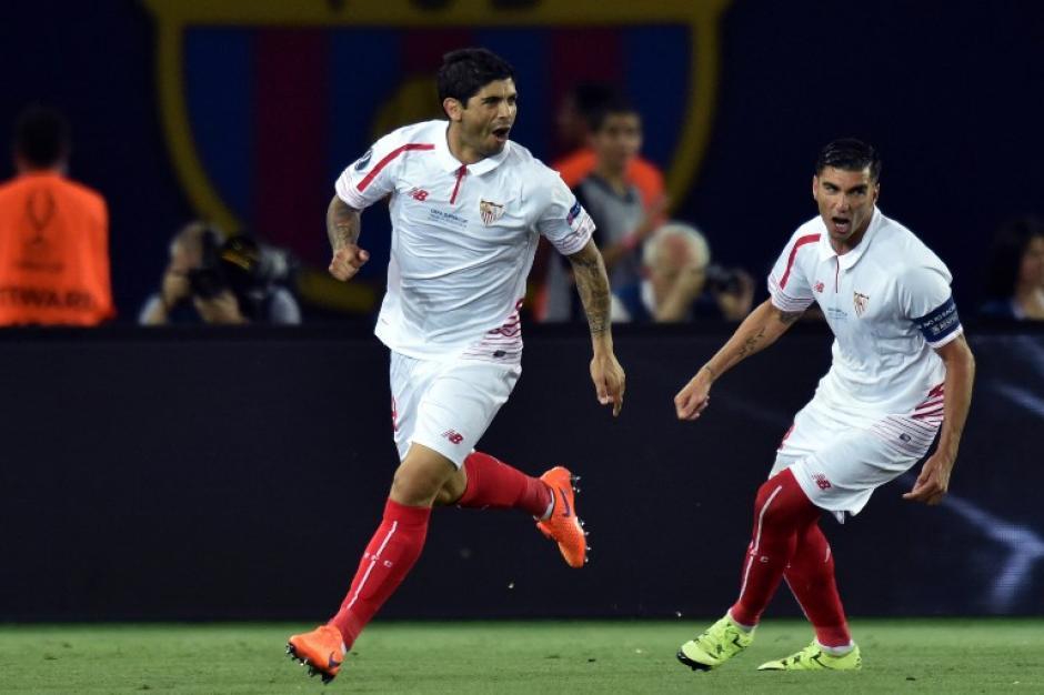 El Sevilla inició ganando el juego desde el minuto 3. (Foto: AFP)