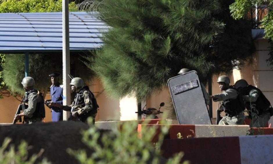La televisión pública maliense había anunciado que unos 80 rehenes habían sido liberados; sin embargo se conocen las cifras exactas. (Foto: AFP)