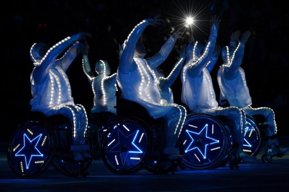 Los undécimos Juegos Paralímpicos de invierno de Sochi 2014, que fueron clausurados el domingo, pasarán a la historia como lo más multitudinarios en cuanto a participación y difusión mediática, por el éxito deportivo de su equipo, dominador absoluto, así como por conseguir aislar la competición del ruido externo. (Foto: AFP)