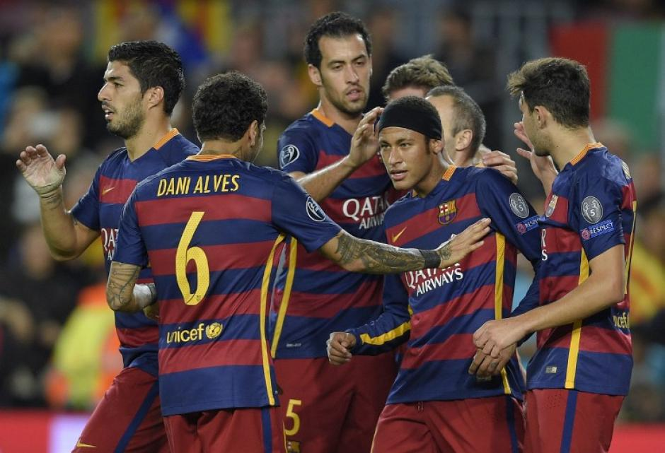 El Barcelona celebró los goles de Neymar y Suárez a falta de Lionel Messi. (Foto: AFP)