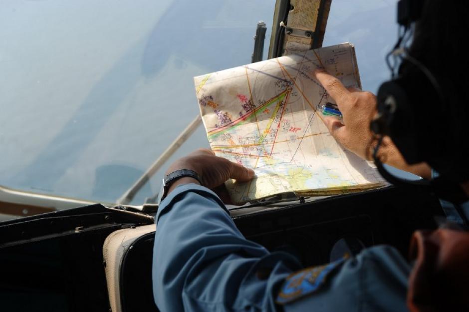 La Fuerza Aérea de Malasia detectó la última ubicación conocida del vuelo 370 de Malaysia Airlines sobre una diminuta isla del estrecho de Malaca, a cientos de kilómetros del curso habitual de un vuelo con destino a Pekín, informó hoy la cadena CNN. (Foto: AFP)