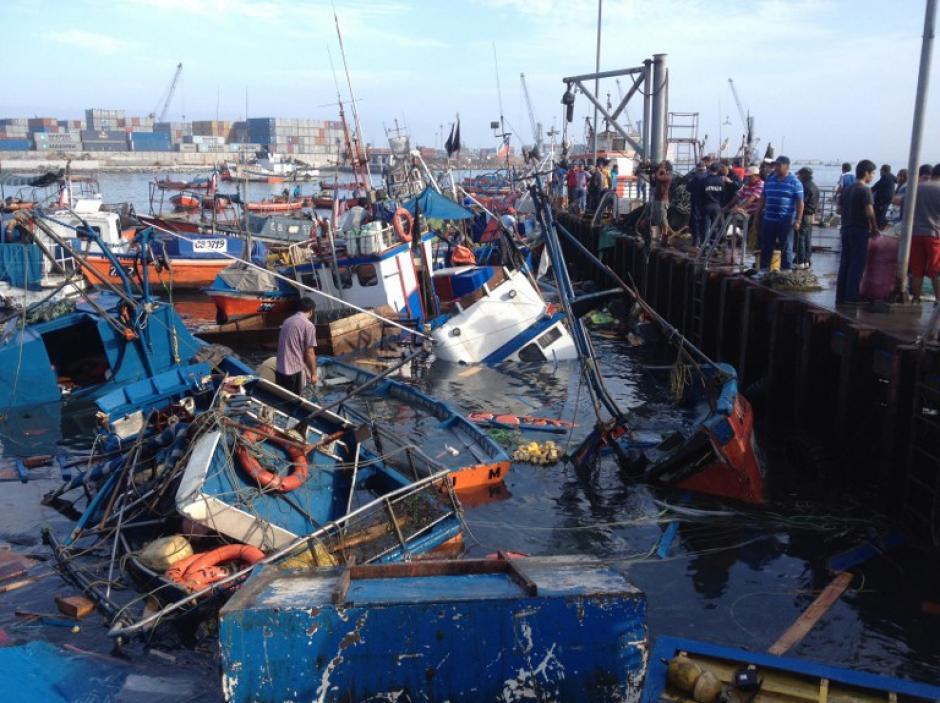 Luego de las alarma de tsunami en todo Chile, se evacuaron unas 900.000 personas en las localidades costeras. (Foto: AFP)