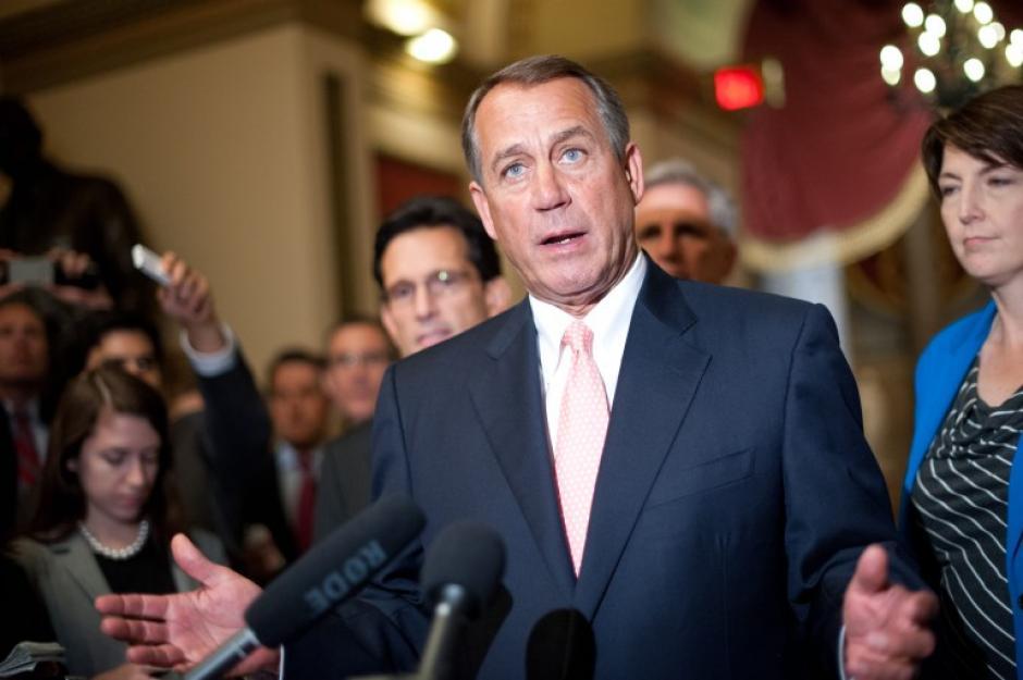 John Boehner, habla con la prensa en el Capitolio en Washington. El director de presupuesto de la Casa Blanca ordenó a las agencias federales clausurar después que el Congreso no logró aprobar un presupuesto para evitar el cierre administrativo.