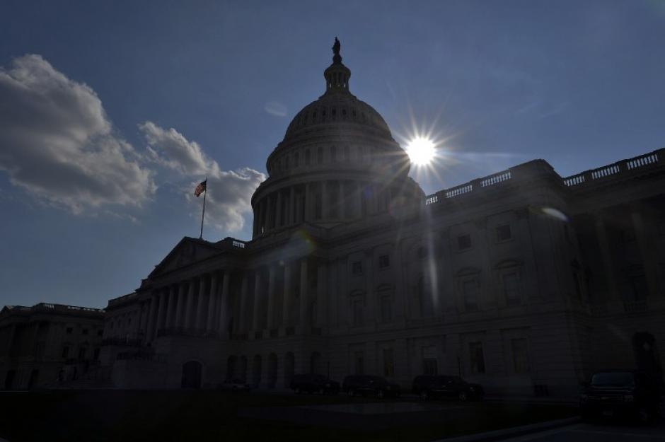 El Capitolio de los EE.UU. en el primer día del cierre administrativo del gobierno federal. Esta es la primera vez en 17 años que el Congreso no pudo llegar a un acuerdo sobre el presupuesto.