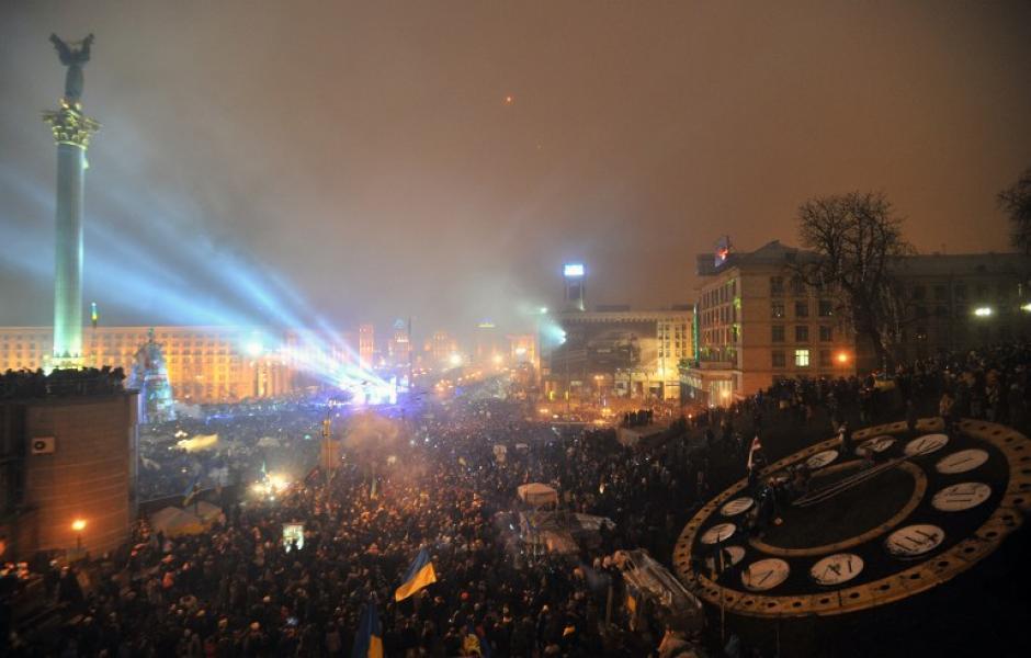 La Plaza de la Independencia en Kiev es el lugar donde miles de ucranianos se dan cita para despedir el año viejo. Foto AFP
