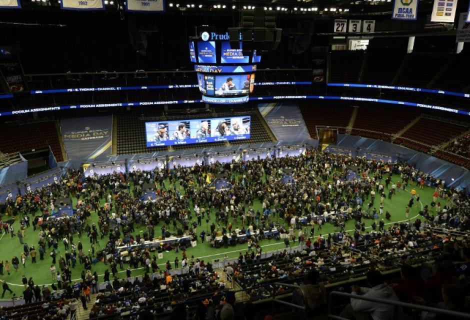 Las delegaciones de ambos equipos hablaron con la prensa en el Prudential Center en Newark, New Yersey