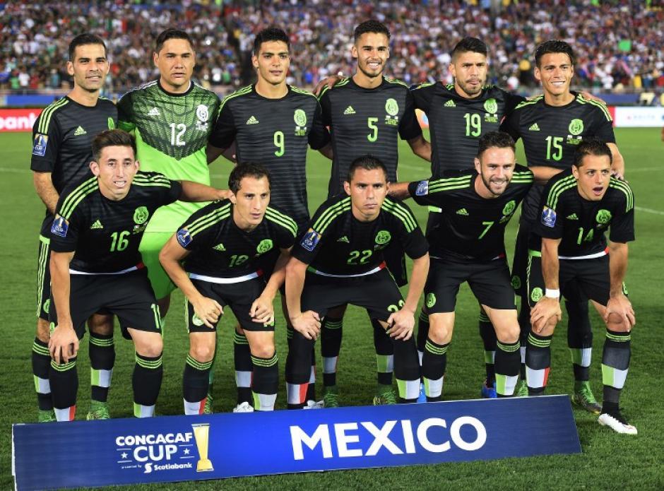 El cuadro titular mexicano que peleó el repechaje a la Copa Confederaciones. (Foto: AFP)