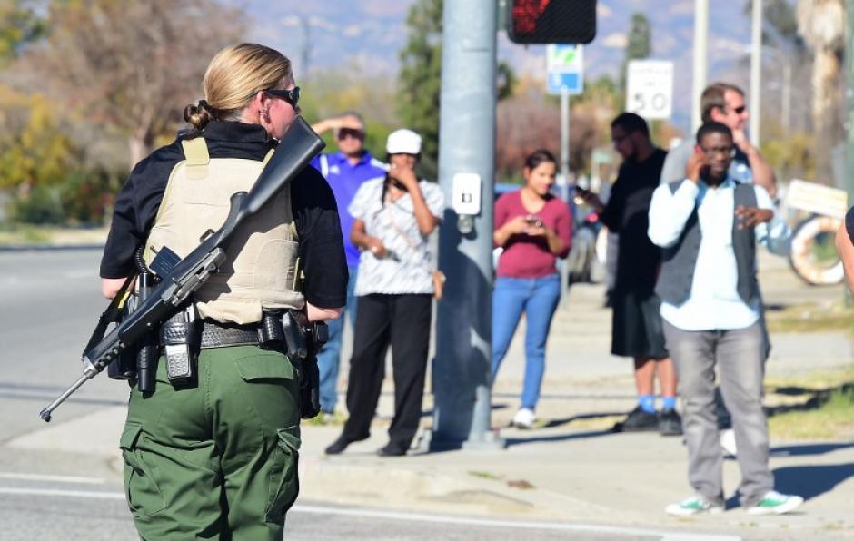 El tiroteo ocurrió en un centro de atención a discapacitados. El FBI acudió al lugar del incidente. (Foto: AFP)