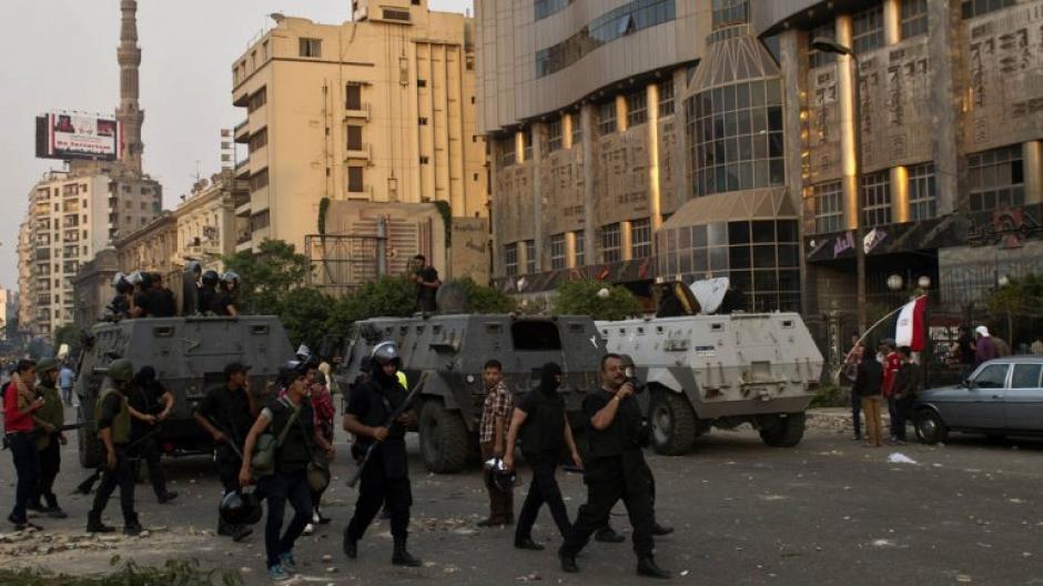 El ejército egipcio reprime una vez más las manifestaciones en la Plaza Tahrir