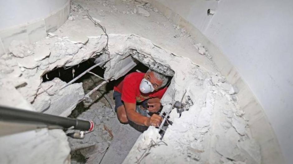 """La casa de Pablo Escobar ha sido peinada por """"buscatesoros"""" antes de ser demolida. (Foto: Nuevo Herald)"""