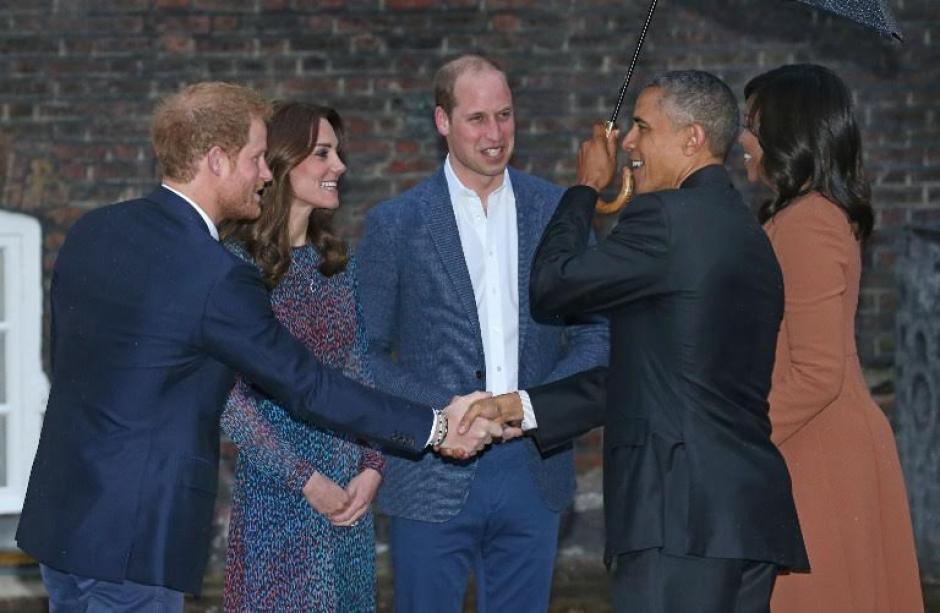 Por medio de un video de apenas nueve segundos, los Obama retan al príncipe Henry de Gales a participar en los próximos Invictus Games (Foto: AFP)