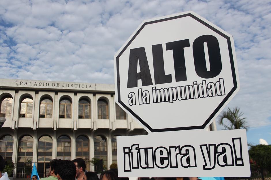Diversos sectores de la sociedad se han hecho presentes en las manifestaciones para repudiar la corrupción del país. (Foto: Alejandro Balam/Soy502)