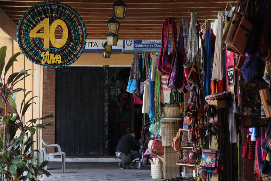 El 28 de mayo de 1974 se fundó en la zona 13 capitalina el Mercado de Artesanías; hoy se celebran 40 años de aquel día (Foto: Alexis Batres/Soy502)
