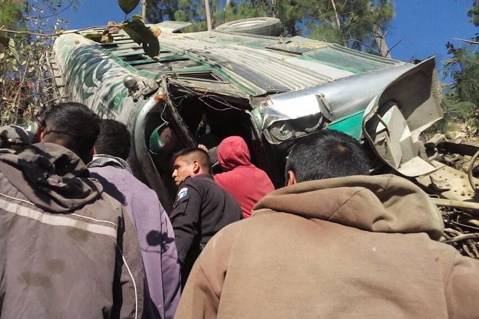 Cerca de 30 personas fueron trasladadas a centros asistenciales. (Foto Nuestro Diario)