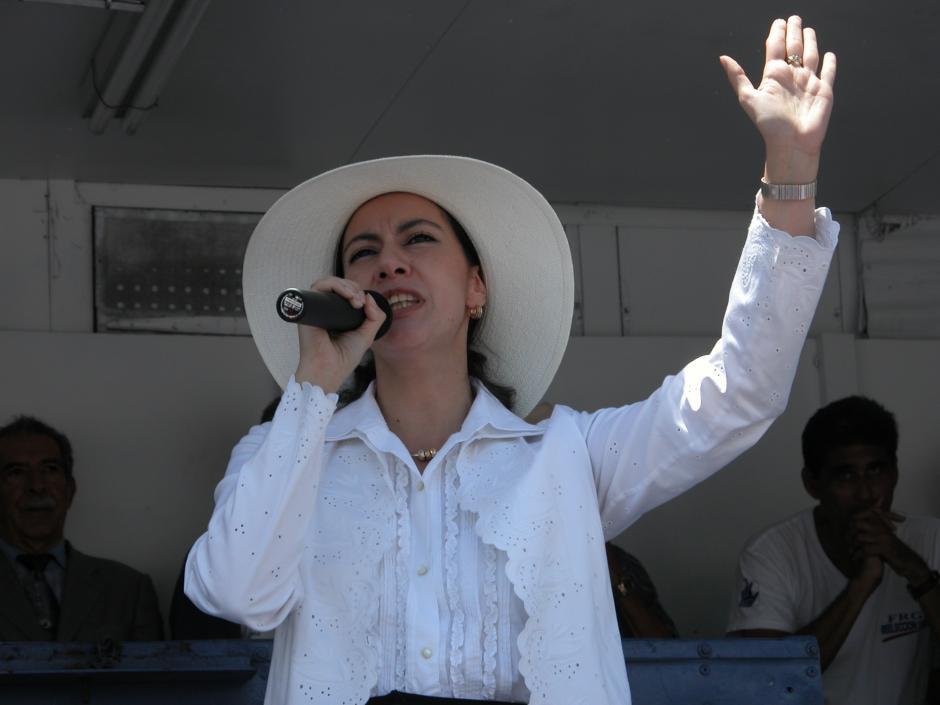 Zury Ríos estuvo vinculada con el partido FRG, con quienes alcanzó una diputación. Aquí en un mitin con ese partido.(Foto: Archivo/Soy502)