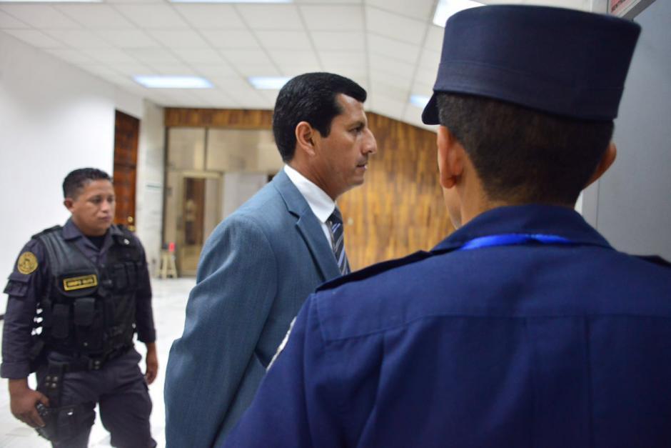 El exministro de Defensa Manuel López Ambrosio llega al segundo día de audiencia en la Sala de Vistas. (Foto: Jesús Alfonso/Soy502)