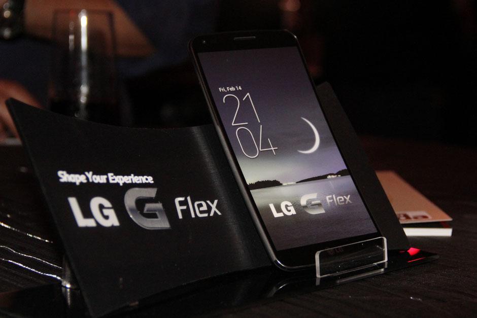 A partir de hoy encontrarás el LG Flex en las agencias de Tigo.(Foto: Alexis Batres/Soy502)