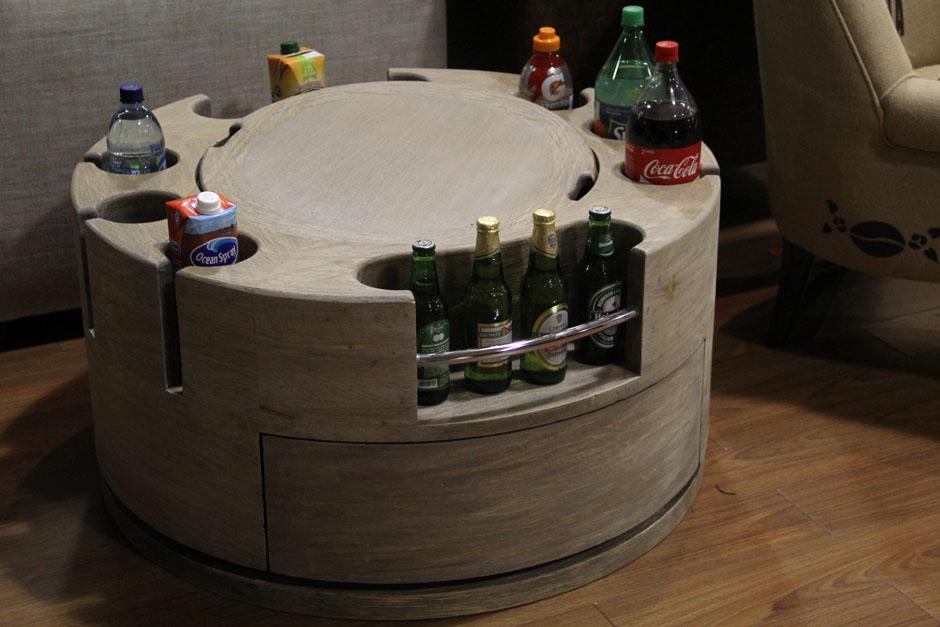 Esta peculiar mesa de centro acapara la atención de los visitantes más jóvenes(Foto: Alexis Batres/Soy502)
