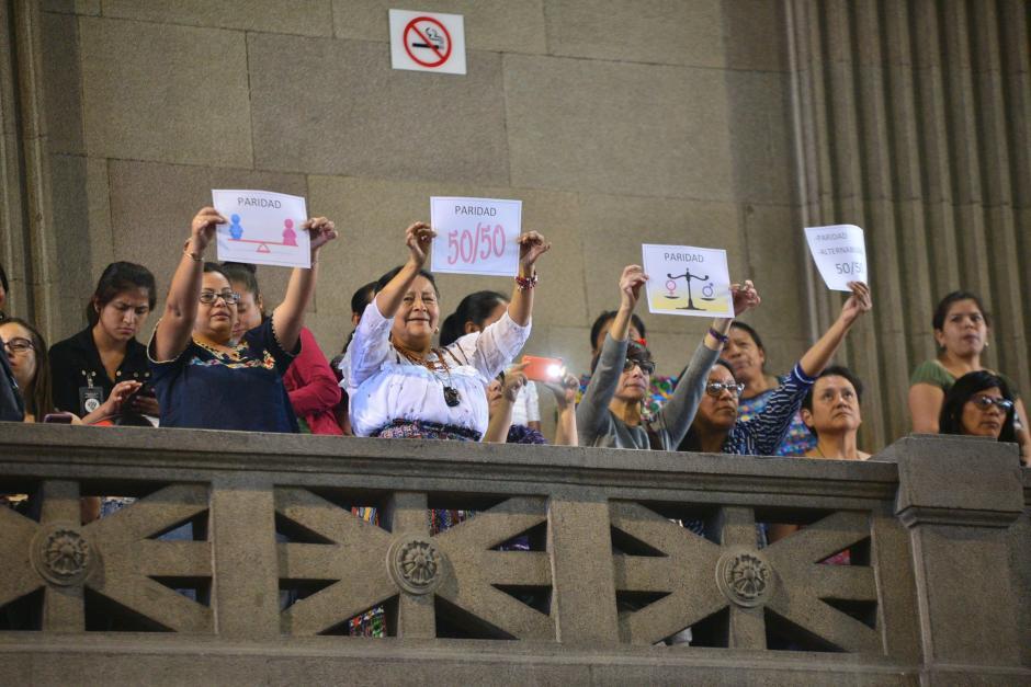 Las reformas a la Ley permiten que, durante el proceso de elección, los partidos propongan la misma cantidad de hombres y de mujeres. (Foto: Wilder López/Soy502)