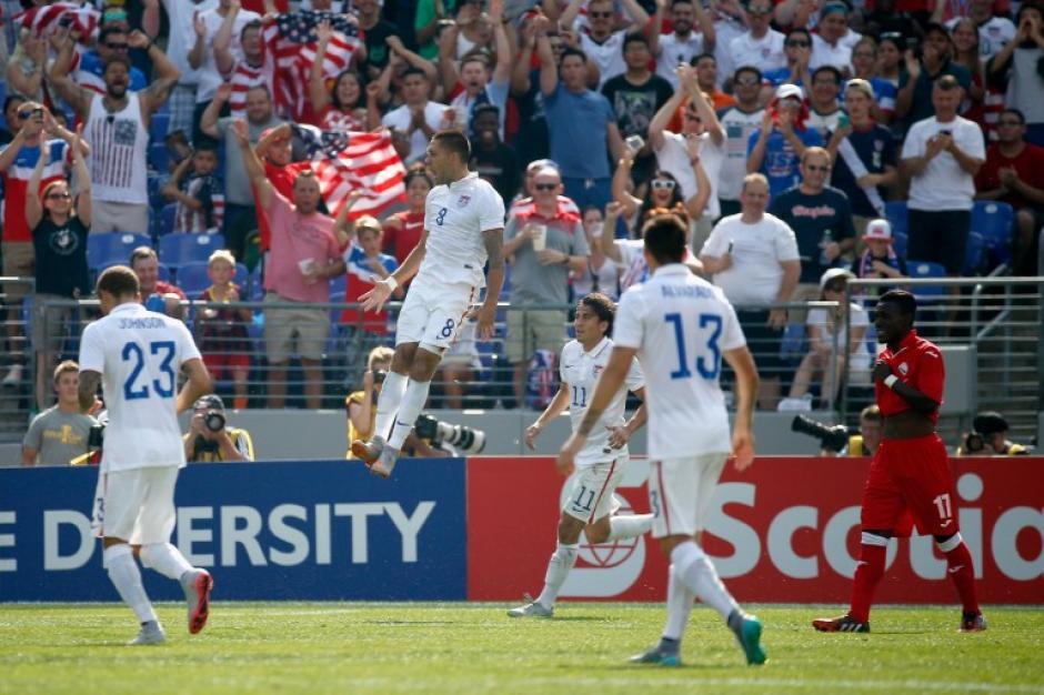 Clint Dempsey anotó un triplete para Estados Unidos ante Cuba en cuartos de final de la Copa Oro. (Foto: AFP)