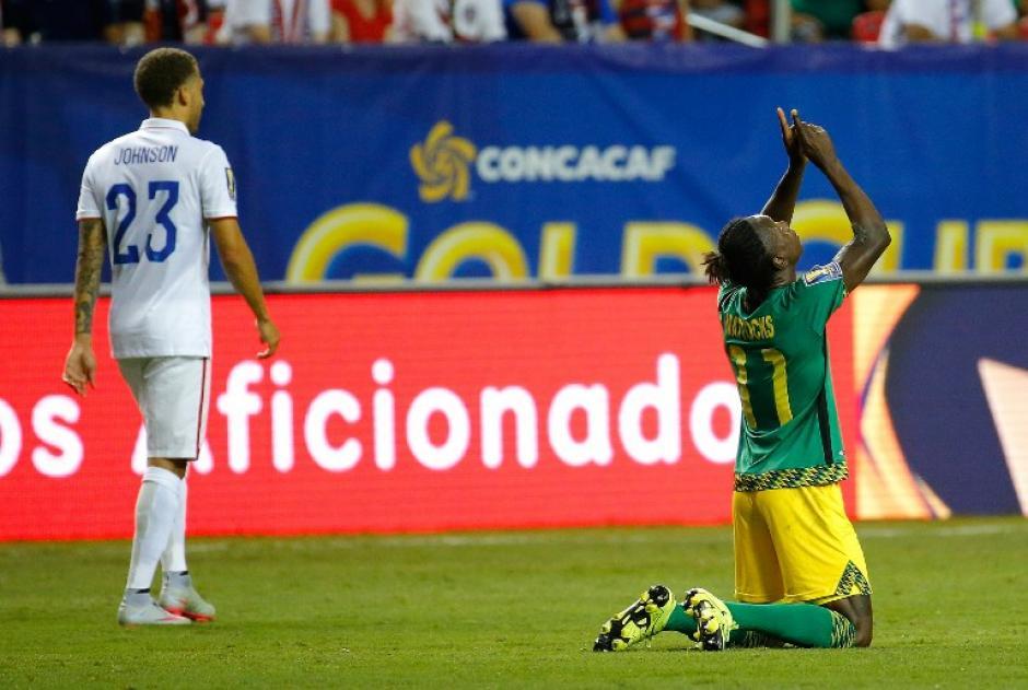 Darren Mattocks, de Jamaica, celebra tras anotar el 1-0 ante Estados Unidos. (Foto: AFP)