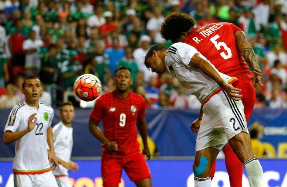 México superó a Panamá en un más que polémico partido. (Foto: AFP)