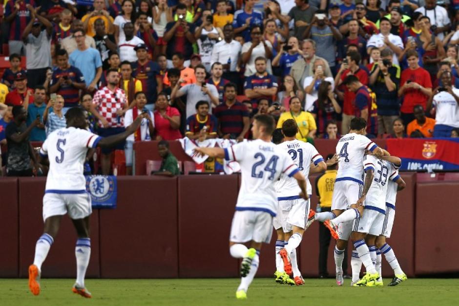 Los jugadores del Chelsea festejando uno de los goles ante el Barcelona. (Foto: AFP)