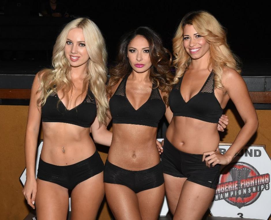 Las peleadoras en paños menores en el campeonato de Lucha en Lencería que se lleva a cabo en Las Vegas. (Foto: AFP)
